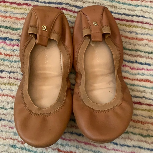 Yosi Samra Tan Foldable Ballet Flat